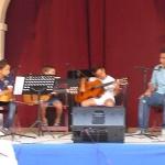 Alumnos de la Escuela de Música Julián Cerdán colaboran en la presentación de un libro de Narciso Climent