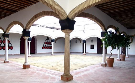 """Patio interior de la Bodega """"El Cuadro"""""""